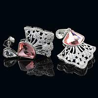 012-0044 - Серьги с кристаллом Swarovski Chessboard Crystal Delta Blush Rose и прозрачными фианитами родий