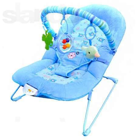 Детский музыкальный шезлонг-качалка Bambi 30606