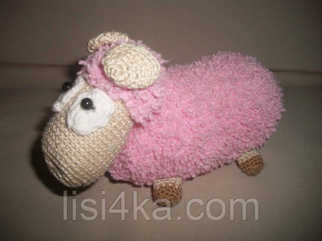 Мягкая игрушка розовая вязаная овечка