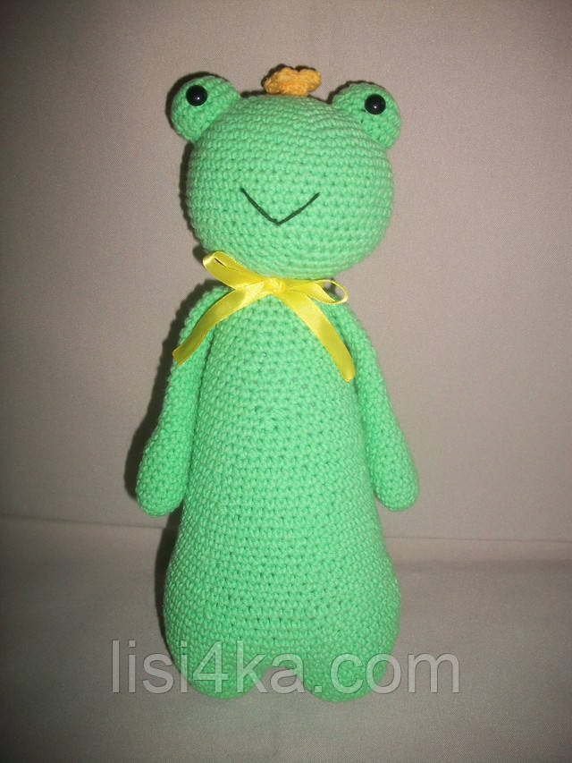 Вязаная интерьерная игрушка лягушка царевна