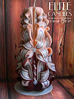 Интерьерный подарок - свеча для декора в светло-коричневых тонах, красиво сочетается с мебелью из дерева