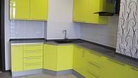 Современная кухня в стильном интерьере