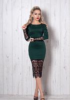 Платье зеленое с гипюровой отделкой