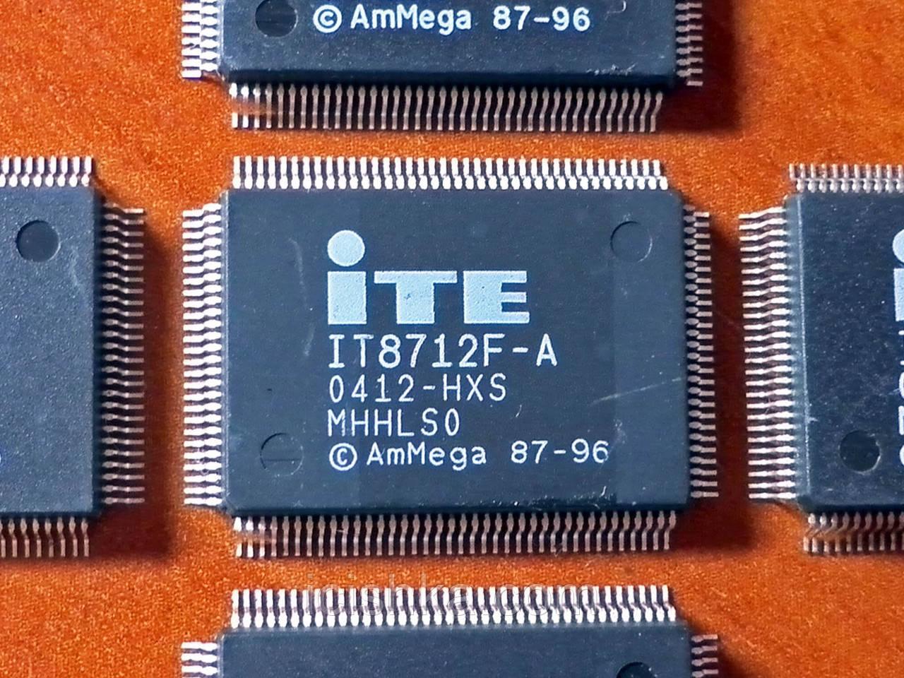 ITE IT8712F-A HXS - Мультиконтроллер