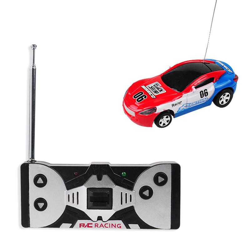 Машинка на радиоуправлении в банке