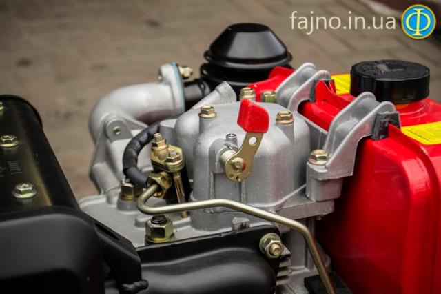 Дизельный двигатель Победит ПДД 186: декомпресстонный клапан
