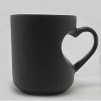 Чашка сублимационная Хамелеон матовая Ручка Сердце Черная