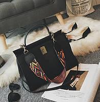 Стильная вместительная женская сумка черного цвета