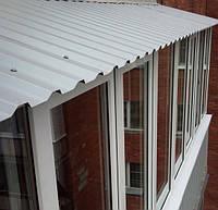 Особливості обробки балкона профнастилом