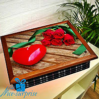 Поднос на подушке Красные розы