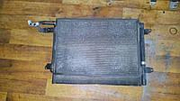 Б/у радиатор кондиционера 1T0820411E Volkswagen Caddy