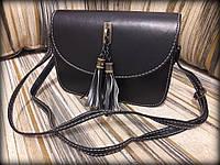 Женская сумка с кисточкой