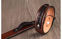 Коричневый браслет с гравировкой на табличке