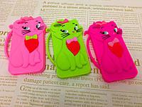 Резиновый 3D чехол для iPhone 4/4S Кошечки