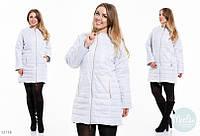 Женская удлиненная курточка на синтепоне большого размера до 52 белая