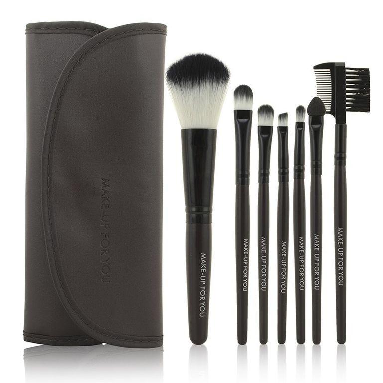 Набор кистей для макияжа MAKE-UP FOR YOU 7 штук в коричневом чехле