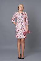 Платье новинка  Люссия недорого больших размеров с принтом  в размерах 48, 50, 52, 54 розовое оптом