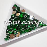 Стразы прозрачные, цвет зеленый,  6,5  мм
