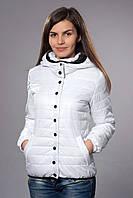 Легкая куртка со сьемным капюшоном