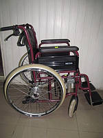 Кресло-коляска облегчённая механическая Meyra бордовая