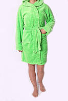 Яркий теплый махровый женский халат до колена