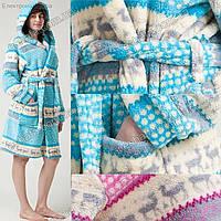 Женский махровый халат средней длины на запах под пояс с капюшоном