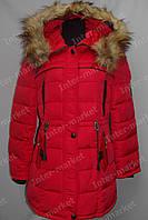 Зимнее женское пальто на замке с капюшоном красное