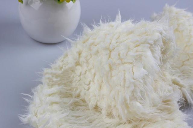 Пледы оптом на овчине