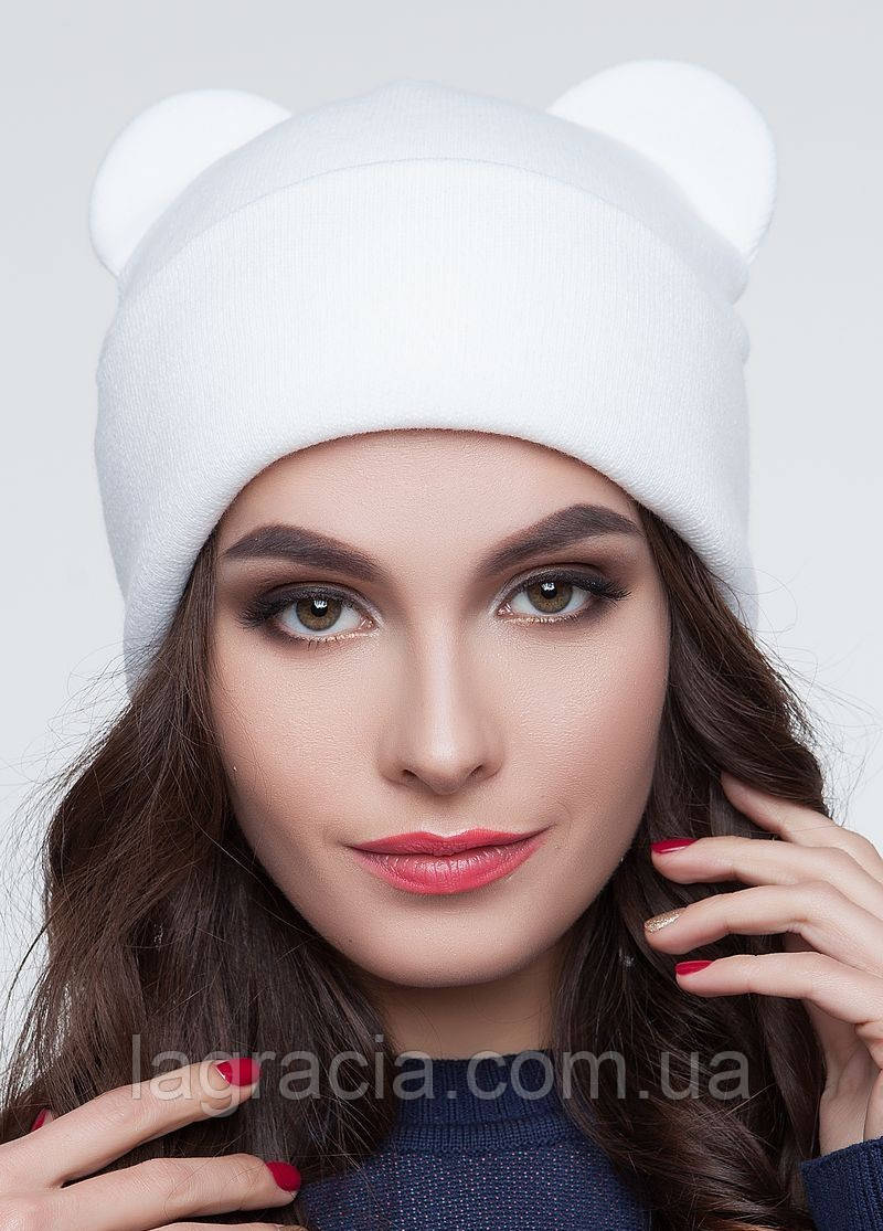 Женская зимняя шапка с ушками белый