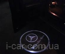Проекція логотипу автомобіля Mercedes