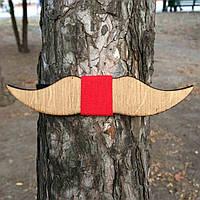 Bow Tie House™ Бабочка деревянная в форме усов с красной серединкой