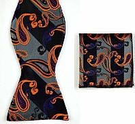 Галстук-бабочка мужская с оранжевыми и фиолетовыми огурчиками + платок-паше