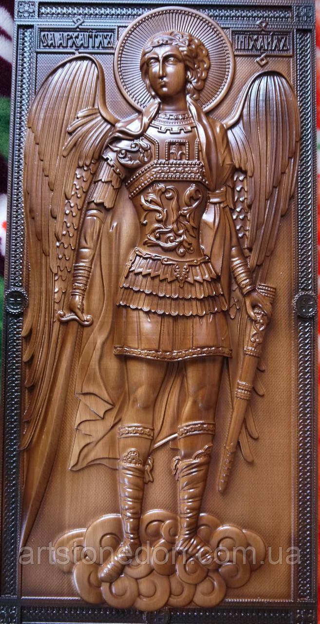 Икона резная Архистратига Михаила из бука 40 см