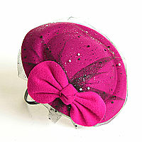 Обруч на голову шляпка фуксия с бантом и вуалью,12см