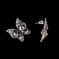 """Серьги-пусеты бабочки ажурные, декорированные стразами\под """"серебро"""" \ 25мм"""