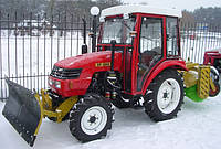 Трактор с коммунальным оборудованием на базе ДонгФенг-244