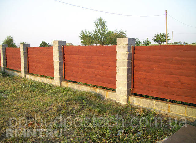 Как построить недорогой забор изнеобрезной доски