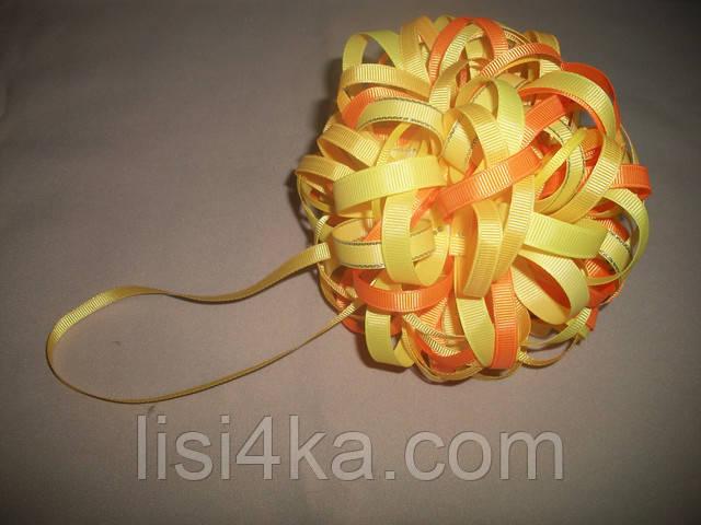 Елочный шар ручной работы желтого цвета