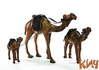 """Верблюды из дерева и кожи """"Семья"""" 30 см"""