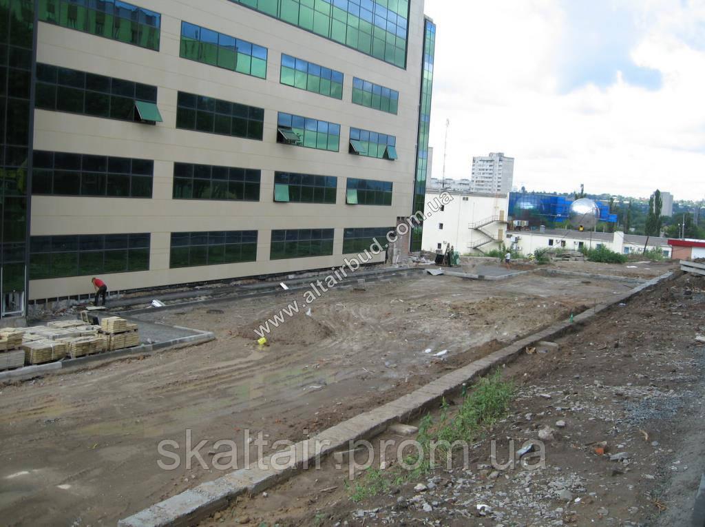 Укладка тротуарной плитки и установка бортового камня - СК Альтаир в Харькове