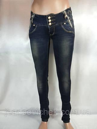 Женские  зауженные джинсы  с вышивкой и стразами, фото 2