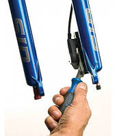 Пресс Park Tool на пистоны гидравлических тормозов