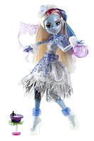 Кукла Эбби Боминейбл Хэллоуин / Abbey Bominable Ghouls Rule