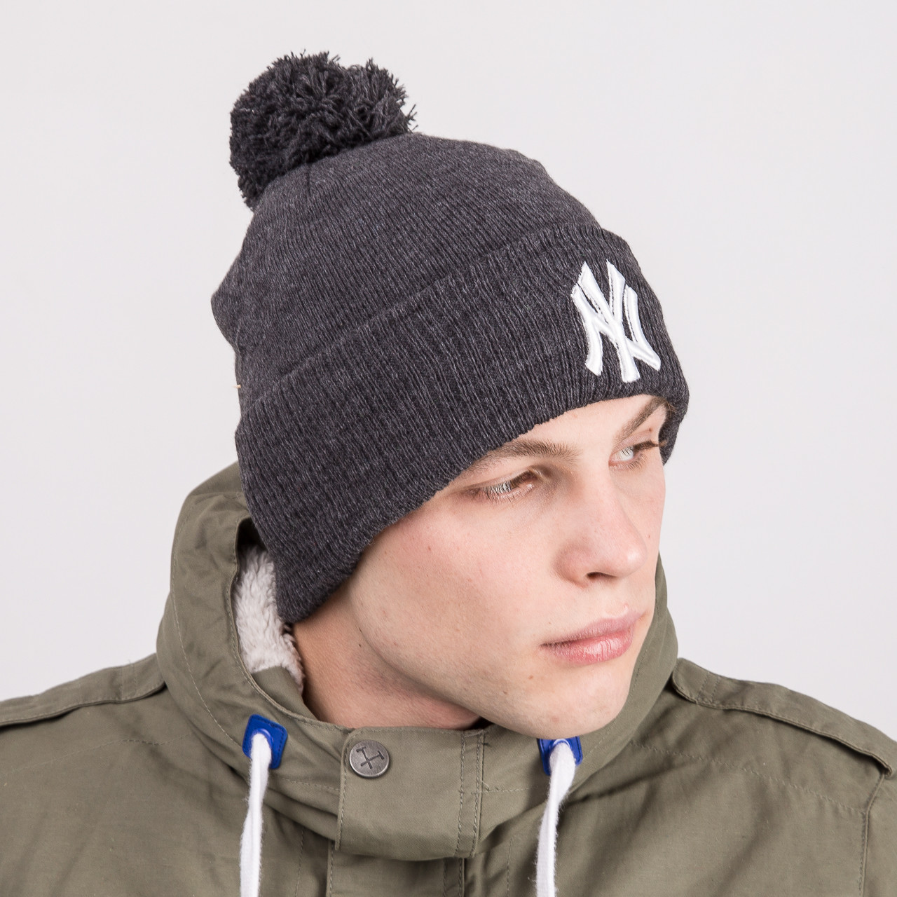 Стильная спортивная мужская шапка с помпоном - New York (NY) - Артикул 8819