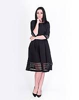 Черное перфорированное платье