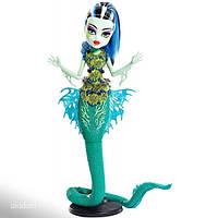 Кукла Монстр Хай Monster High Great Scarrier Reef Glowsome Ghoulfish Frankie Stein Doll