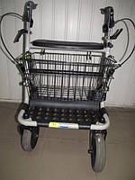 Аренда ходунков для взрослых на колесиках с пластиковой вставкой и пластиковыми колесами
