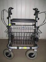 Ходунки для пожилых на колесиках шырокое сидение, зажимы поручней на крутилках