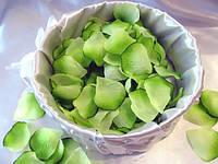Лепестки роз Салатовые декоративные 150 шт/уп