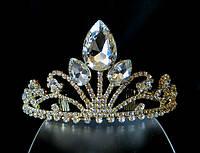 Диадема корона, золотистая, на металлическом обруче с гребешками на конце обруча, высота 6,5 см